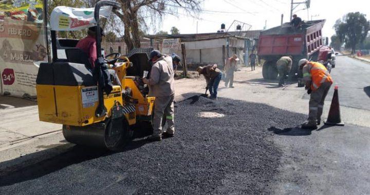 Cuautitlán México realiza rescate urbano con bacheo de calles