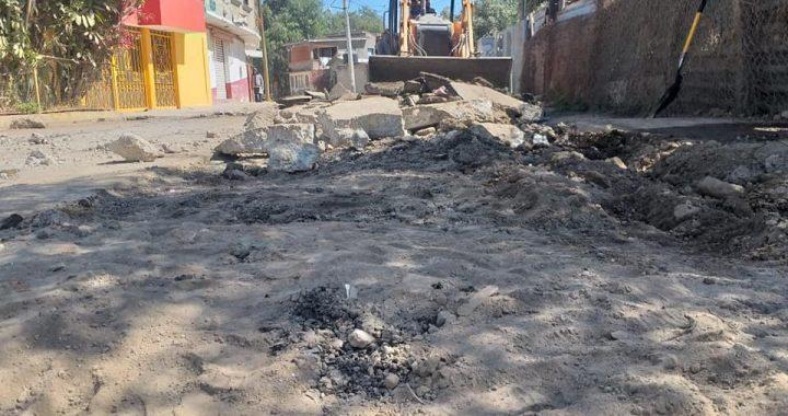TEOLOYUCAN CONTINUA TRABAJANDO EN BACHEO PERMANENTE