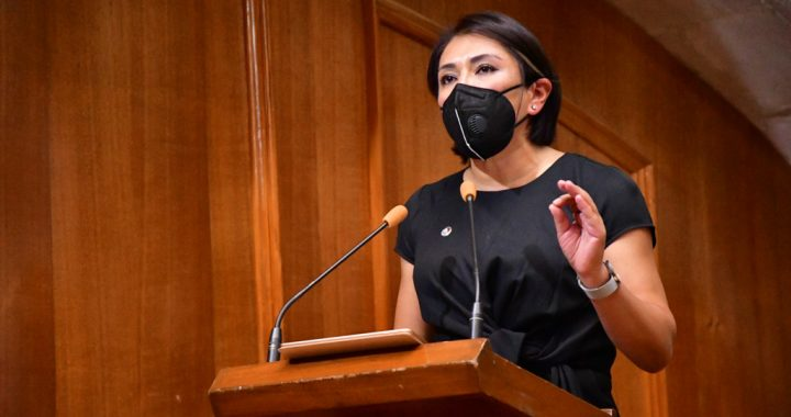 Ante retorno a clases, llama el Congreso a vacunar menores contra covid-19