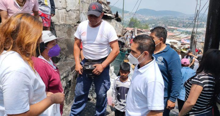 Tlalnepantla apoya a familia afectada por incendio en San Lucas Patoni